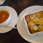 18119025 - フルーツグラタンと桜の紅茶