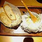 美食酒家 ちゃんと。 - チーズ豆腐バケット添え