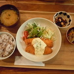 パレット食堂 - (2013.3)本日のお魚セット850円♪サーモンフライ、タルタルソースがけ♪