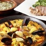イベリコバル・ディッチャ - 料理写真:外さず食べて欲しいベスト3!アヒージョ&イベリコ豚&パエージャ