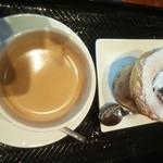 18121433 - 201303ベルギーチョコえんとつ¥450・ホットコーヒー¥500