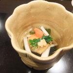 壽山 - 赤貝と若布の酢のもの