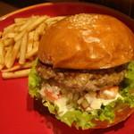 BEARSBURGER (w/French fries) - ベアーズバーガー -(テイクアウトO.K!)