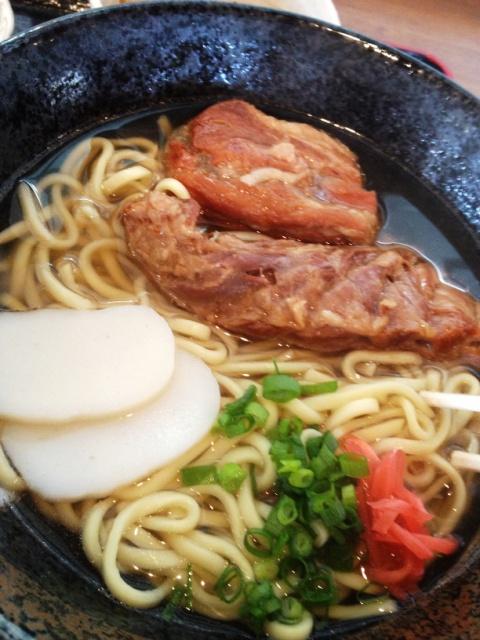 まーちゃん食堂 - ソーキそばは豚軟骨