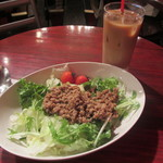 カフェ・ロリータ - そぼろと野菜の混ぜご飯 850円