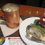 上島珈琲店 - やぶきた茶のロールケーキ、アイス無糖ミルク珈琲