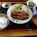 カフェ もく - 料理写真:とんかつ定食(900円)