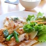 ぽちたまカフェ - チキンと野菜のやわらか煮