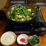 もつ鍋・水炊き 四番館 -