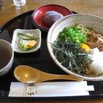 竹の子 - 五色うどん750円