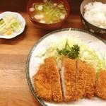 とんかつ 安右衛門 - ロースカツ定食       1000円