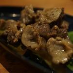バール エ ターヴォラ カルダ ラ・ジョストラ - 砂肝のオイル煮込み