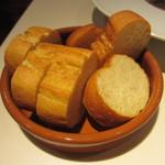 ブラッスリー エディブル - 仏リマーニュ産小麦とアルプスの水 地中海の塩で作ったバゲット