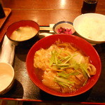 串特急 虎壱横丁 - 肉豆腐定食