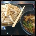 今福屋 - 宿場うどん¥630、肉汁うどんに野菜をたっぷりいれたものです。麺は全粒粉入りで粒が見える割りに上品で小麦香は、ほのかです。