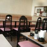 津々井 - 店内は典型的な下町の洋食屋さんです