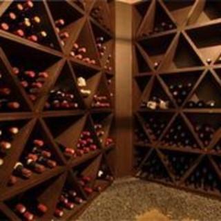 350種類◎千葉NO1の品揃え!地下にワインセラー完備!