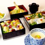 つつじの茶屋 - 「寿司・いろどり御膳」 (ちらし寿司イメージ)