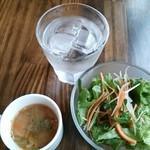 18164191 - サラダとスープ