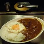 大栄 - 牛テールカレー1500円♪