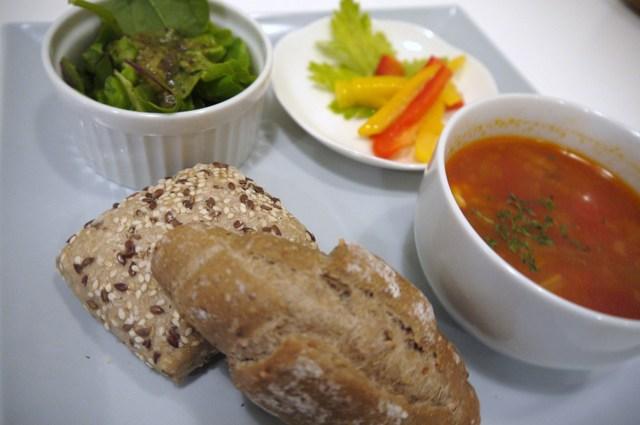 カフェ アダージョ - Aランチ:スープセットです♪
