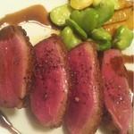 イル・ラメリーノ - 鴨胸肉のロースト 筍・蚕豆 春野菜を添えて