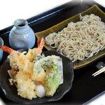 18173084 - 海老と季節野菜の天婦羅せいろ 1400円