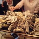 18173291 - 山盛りの牡蠣は壮観!