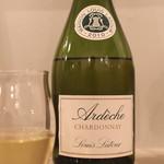 ボン・グゥ 神楽坂 - Ardeche  Chardonnay 2010   Louis Latour