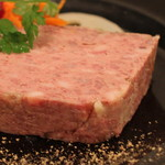 ボン・グゥ 神楽坂 - 鶏白レバーと豚肉の田舎風パテ のアップ