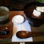 茶房 - おしるこセット800円。