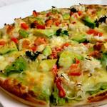 呑具里 - カニとアボカドのピザ