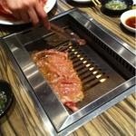 焼肉 ジャンボ - 野原焼を焼いてます~iPhoneで焼時間を計って!