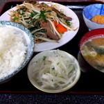 三晃 - レバニラ炒め定食です
