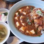 18189706 - 油淋麻婆丼スープ漬物付き