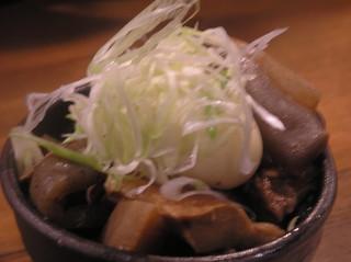 海鮮や辰海 - じっくり煮込んだ牛スジは当店人気メニューです☆