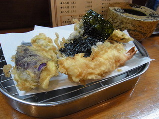 天公 - 2013.4.4)天ぷら定食(きり、1050円)の揚げたての天ぷら