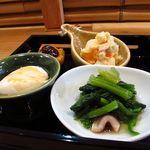 18195779 - 2013/4よりランチスタート! 赤鶏の親子丼セット   まずは「前菜」生麩揚げ(田楽)・豆腐・蛸の酢の物・ポテトサラダの4種