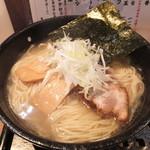 らぁめん居酒屋 龍音 - 鶏そば塩・大盛 ¥650 2013/4/4