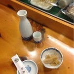 甲寿司 - 熱燗2合とお通し