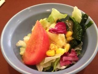 花咲き山 - ランチのサラダ