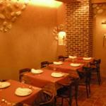 ビストロ・ラ・クッチーナ - 内観写真:テーブル席