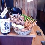 串焼十段 - 内観写真:新鮮野菜も豊富