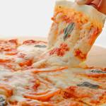 ラ・ダム・ヒロ - チーズたっぷり♪焼きたてのピザをお召し上がり下さい。