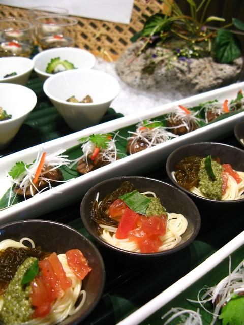 ワールドワールドバッフェ ホテル京阪ユニバーサルシティ店 - 器も可愛い和食のコーナー
