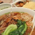唐庄酒家  - 麺は細くて柔らか…具沢山なのは嬉しい。