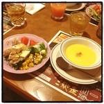 ステーキハウス ブロンコビリー - スープ サラダばー