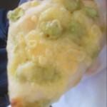 ブレグラス - 枝豆チーズパン。何コレ、うちの大好物しか入ってないじゃんw