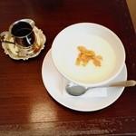 宵待屋珈琲店 - 珈琲屋さんのミルクセーキ(550円)