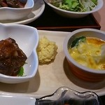 18226104 - 今日のメインは牛ロースのミニステーキとブリのオランデージ焼き